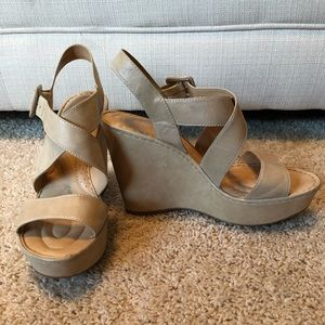 Born Neutral Wedges Size 9